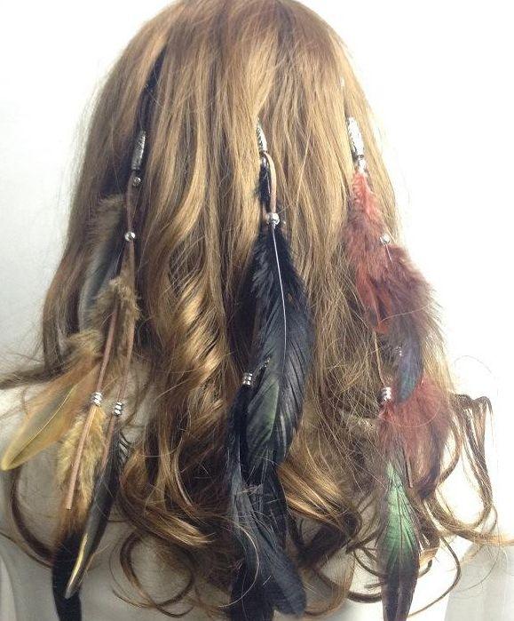 Ozdoba do vlasů z peříček