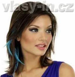 Peříčka do vlasů na clip sponce - modelka