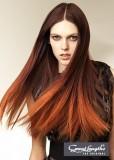 Elegantně stínováný melír na dlouhých vlasech