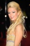 Paris Hilton - Částečně vyčesaný účes do společnosti z dlouhých blond vlasů