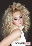 Dámský dlouhý kudrnatý blond účes alá andílek