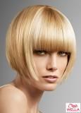 Krátké blond mikádo s rovnou ofinou