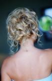 Ležérní vlnobití, různě posepínané na temeni, vhodné na svatbu