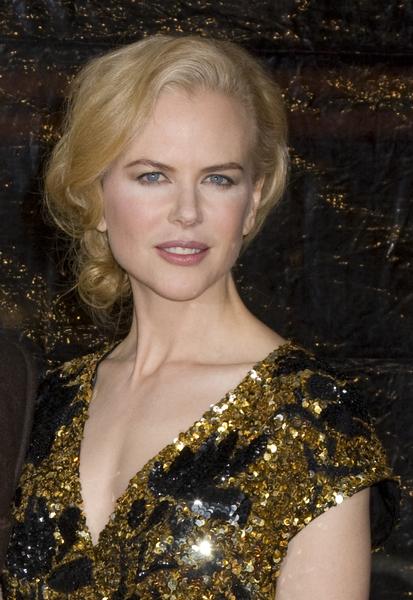 Nicole Kidman - Ženská elegance v uvolněně sepnutých vlasech na večer