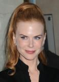 Nicole Kidman - Hustý ohon vysoko vyčesaný na temeni hlavy