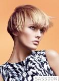 Jednoduchá stylizace do čela z krátkých vlasů