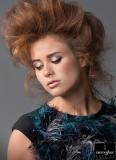 Extravagantní lehkost natupírovaných vlasů
