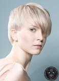 Splývající sestřih krátkých vlasů