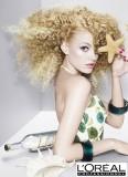 Kudrnaté rozevláté lokny v blond