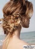 Letní nádech drdolu z dlouhých vlasů