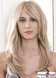 Sestříhaný dlouhý blond účes