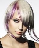 Blond krátký střih s fialovým melírem