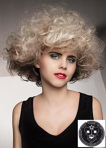 Kudrnaté blond vlasy