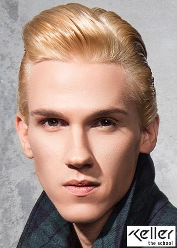 Uhlazený nagelovaný pánský blond střih