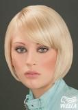 Elegantní, blond mikádo s patkou na straně