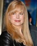 Nicole Kidman - Účes z dlouhých sestříhaných rovných blond vlasů s rovnou ofinou do čela